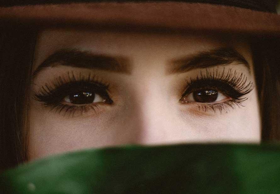 Augenbrauenrasierer Anwendung 5 Tipps Zum Augenbrauen Rasieren